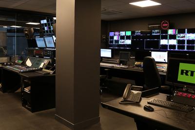 Custom Consoles desks chosen for RT's new Paris production studios